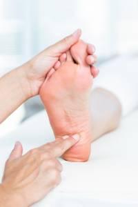 Ból pięty przy chodzeniu